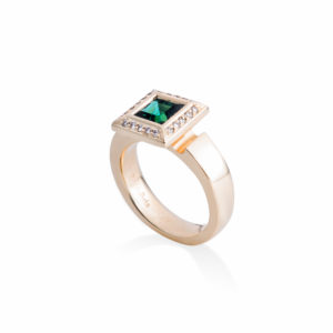 handcrafted natural princess cut green tourmaline in 18ct yellow gold