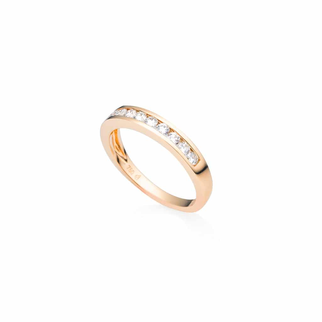 ladies rose gold diamond wedding band