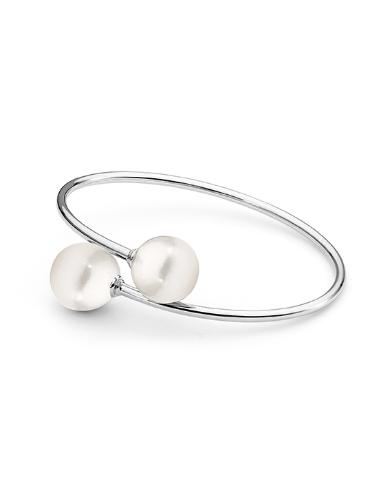 freshwater pearl bangle in sterling silver