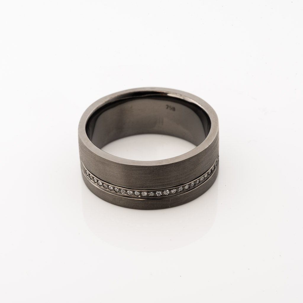 18ct white gold black rhodium gents ring with brilliant cut diamonds